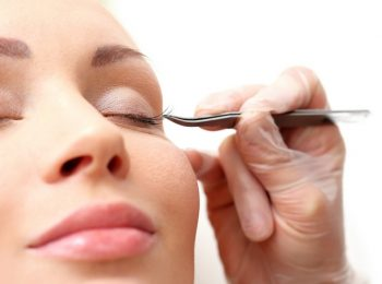 What It Means to Be an Eyelash Extension Technician